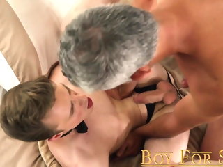 slave Jock following old crumpet Cole Blue fucked bareback by Dom daddy jock