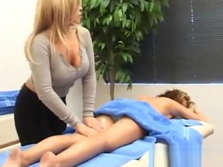 rosen Daphne Rosen gives her client a massage. Part2 on TCams.xyz daphne
